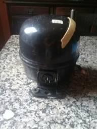 Motor para refrigeração Tecunseh 1/5 semi novo