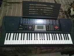 Vendo teclado bem conservado e em funcionamento