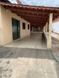 Alugo Casa + Barracão próximo ao Terminal Vila Brasília