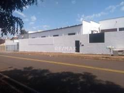 Galpão à venda, 422 m² por R$ 550.000,00 - Vila Industrial - Jaboticabal/SP