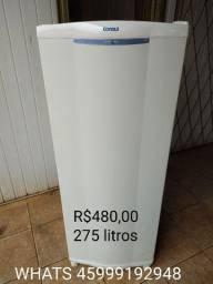 Geladeira cônsul pequena, em ótimo estado, 275 litros