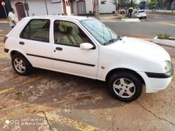 Lindo Ford Fiesta Hacht Zetec Rocan 1.0 Ar condicionado 2001