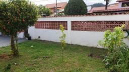 Excelente casa com churrasqueira e jardim em Ponta Grossa!