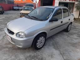 Corsa sedan Classic 1.0 - 2004 - gasolina - com direção Hidraulica