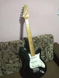 Vendo uma guitarra behringer valor 400