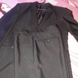 Vendo um terno novo armazém do homen