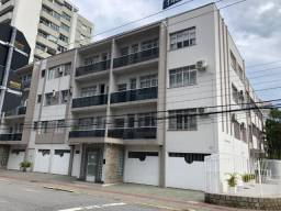 Apartamento 3 dormitórios, 2 vagas, semi-mobiliado no Centro de Florianópolis