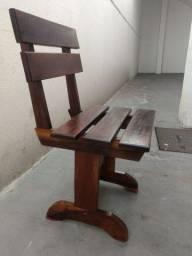 4 Cadeiras de madeira maciça