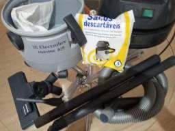 Aspirador de pó semi-novo hidrovac A 10 Eletrolux