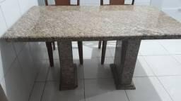 Mesa de pedra de granito com 4 cadeiras