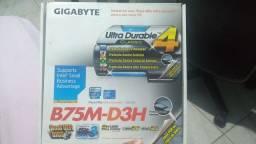 Placa mãe LGA1155 (usada) - Gigabyte GA-B75M-D3H (Micro ATX)
