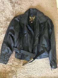 Barbada 200,00 as duas ..jaqueta feminina couro legítimo novíssima toda forrada ...