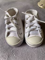Tênis bebê menino tipo all star tamanho 15/16 novo.
