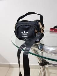 Bolsa alça lettering preta Adidas