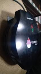 Gente estou vendendo uma Máquina de Cupcake Britânia Cupcake Maker 3 para 7 Cupcakes