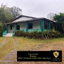 Vendo Casa/Sítio em Bonança, 6 hectares, 266m², 03 quartos (todos suíte)