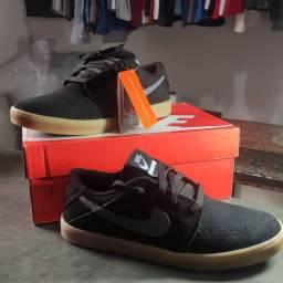 Tênis Nike Suketo 41