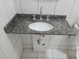Pia de banheiro em granito com cuba de cerâmica e torneira misturador 80cm x 40cm