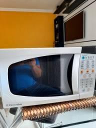 Micro Ondas Electrolux MEF28