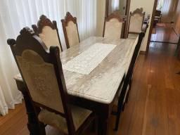 Mesa e cadeiras em jacarandá