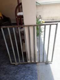 Portões e Estante de Ferro