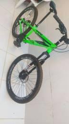 Bike Gta aro 26, toda revisada, câmbio traseiro shimano, documento, praticamente nova!