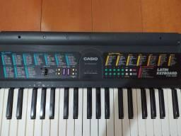 Teclado Casio ctk490 Latin keyboard semi-novo