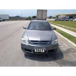 Vendo Astra Hatch automático