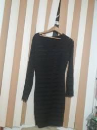 Vestido preto chiquérrimo