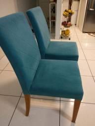 Duas cadeiras de ótima qualidade