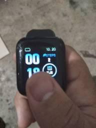 Relógio Inteligente- usado com apenas 1mes de uso ainda na caixa