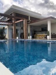 Casa Térrea em Jacuípe - 4 Suítes - 360 m² - Fino Acabamento - Piscina - 5 Vagas - Porteir
