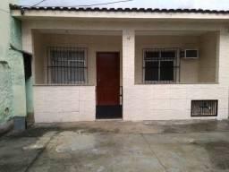 Casa de Vila Engenho Novo- Em frente a estação de trem.