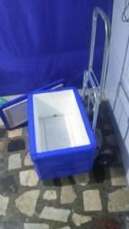 Carrinho de carga do grande e caixa de isopor Grande Nova. 150 reais