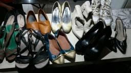 Sapatos semi novos BARATEZA