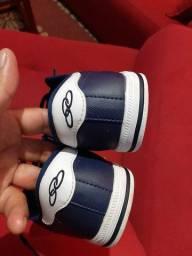 Sapato Olympikus.