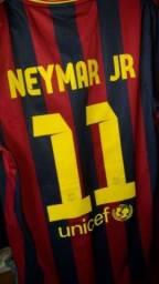 Vend essa camisa do Barcelona  (Neymar) original  tmh  P e infantil