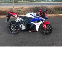 Honda cbr 600 rr tricolor