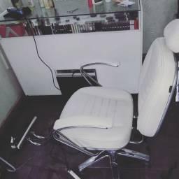 Vendo cadeira reclinável a gás,para salão beleza,make up, designer sombrancelha.etc...