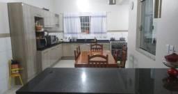 50868- Casa Ampla no Igara, 3 dormitórios, possibilidade comercial