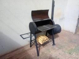 Churrasqueira Pit Smoker