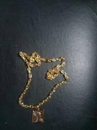 Corrente Cartier banhado a ouro 7 mm
