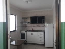Aluga -se apartamento no Farol de Itapoã, em frente ao restaurante  mistura