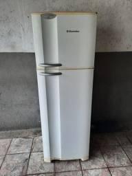 Vende se geladeira Dúplex DC38 Electrolux