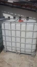 Conteiner 1000 L, excelente como caixa de água