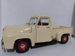 FORD F100 1953 PICK-UP ESCALA 1:18 ROAD SIGNATURE R$ 250