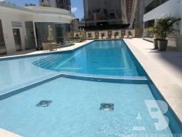 Apartamento novo, mobiliado, 03 suítes, 03 vagas de garagem privativas, Centro, Balneário