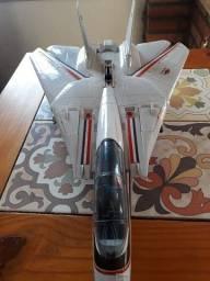 Avião comandos em ação.