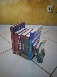 Kit Estudos Bíblicos