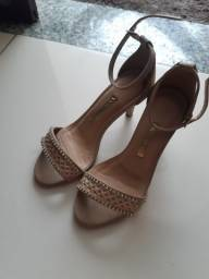 Sandalia de salto